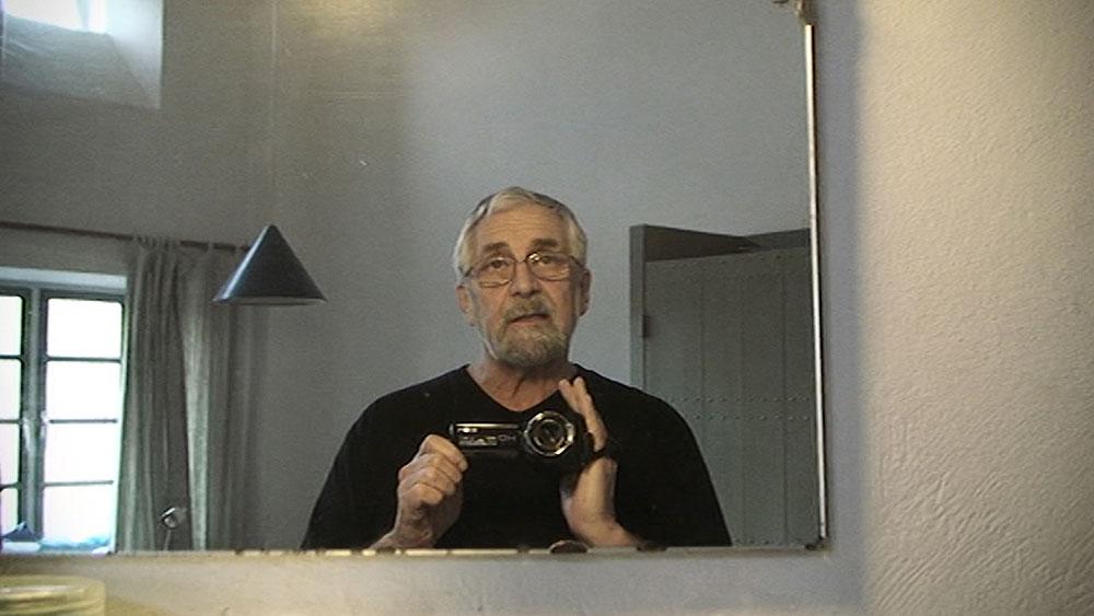 de-benno-tapes-filmt-zichzelf-in-spiegel